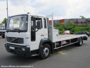 Porte-engins Volvo FL