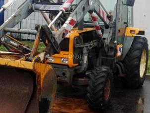 Tracteur agricole Renault TR087 type R3163