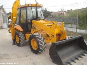 Tractopelle rigide Jcb 2DX