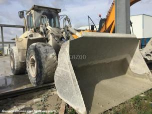 Chargeuse  VOLVO L 120B