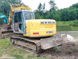 Pelle  New Holland E 145